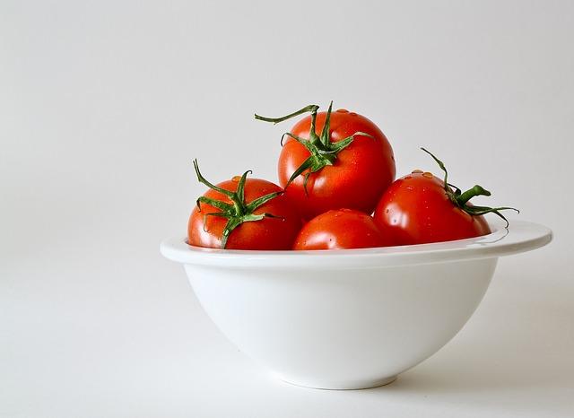 Heerlijke gevulde tomaat met champignon