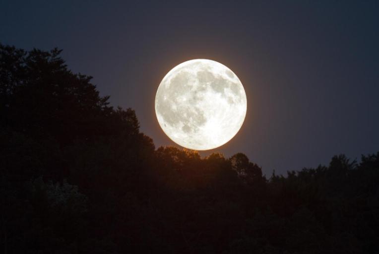 de volle maan van augustus 2020