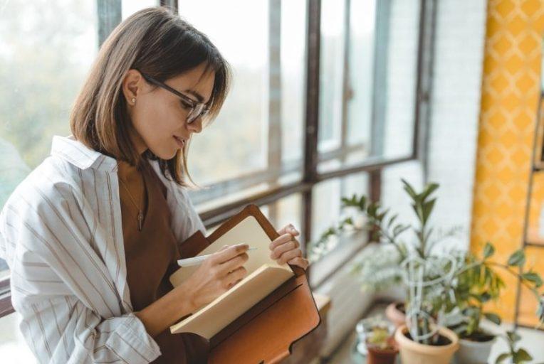 interessante vragen om jezelf te stellen in je journal